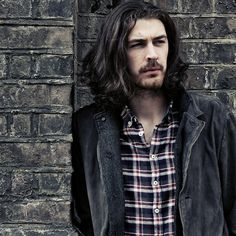 Andrew Hozier-Byrne (born 17 March 1990), known simply as Hozier, is an Irish musician from Bray, County Wicklow. In 2013 he released his debut EP Take Me to Church and his second EP From Eden in 2014, with his debut studio album Hozier released in Ireland in September 2014 and globally in October 2014. Wikipedia - Andrew Hozier-Byrne » #AndrewHozierByrne #Hozier