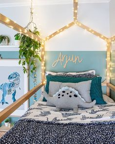 The view from the top of the bunk world! Happy hump day mamas - i feel like im about 5 hours behind today - how are you guys going? On top of it all this week or barely keeping it together? Kids Room Design, Kid Spaces, Room Themes, Kids Decor, House Beds, Boy Room, Girls Bedroom, Decoration, Room Inspiration