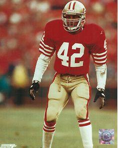 Sponsored - Ronnie Lott San Francisco - 8 x 10 Close-Up Game Photo 49ers Players, 49ers Fans, Football Players, Nfl Football, Football Helmets, 49ers Nation, Ronnie Lott, Joe Montana, Up Game