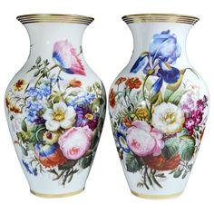 Pair of Paris Porcelain Botanical Vases, century. Each of the baluster form porcelain vases has a cylindrical neck and everted rim and ar. Porcelain Jewelry, Fine Porcelain, Porcelain Ceramics, Painted Porcelain, Porcelain Tiles, China Dinnerware Sets, Painted Vases, Hand Painted, China Painting