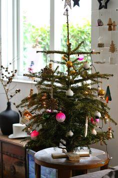 Scandi Christmas, Christmas Interiors, Green Christmas, Christmas 2019, All Things Christmas, Vintage Christmas, Merry Christmas, Christmas Ornaments, Advent