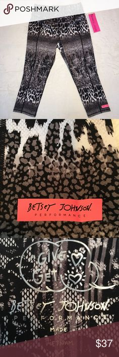 Betsey Johnson Performance Pants NWT Brand new with tags athletic crop pants. Elastic waist and stretch material of nylon and spandex. Betsey Johnson Pants Ankle & Cropped
