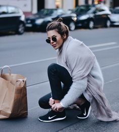 skinnies + sneakers + cozy knits = perfect travel outfit