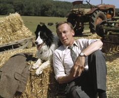 James Herriot - All Creatures Great and Small James Herriot, British Costume, Netflix Uk, Famous Historical Figures, Yorkshire Dales, Yorkshire England, North Yorkshire, Comedy Tv, Classic Tv
