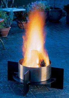 Google Afbeeldingen resultaat voor http://www.interiorarcade.com/images-pictures/2009/10/outdoor-indoor-decoration-fire-places-garden.jpg