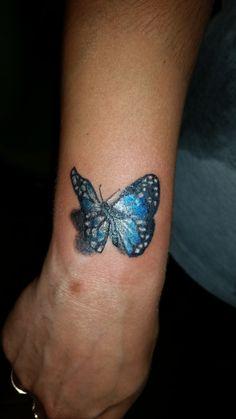 Tatuaje de mariposa realista , diseño propio