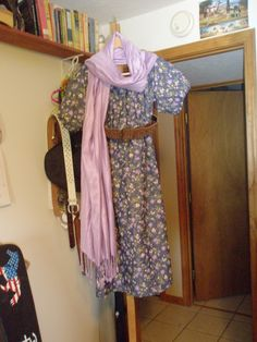 ...and add a matching purple cashmere scarf from Israel...some heels...