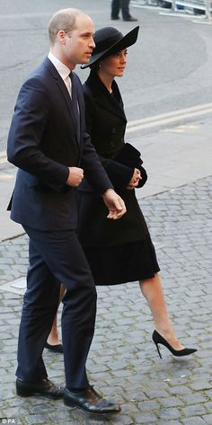 The Duke and Duchess of Cambridge joined hundreds of mourners as they paid tribute to the sixth Duke of Westminster