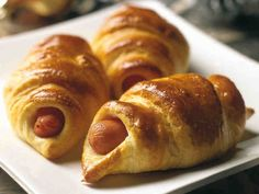 Hot Dog Buns, Hot Dogs, Croissant, Sausage, Brunch, Favorite Recipes, Bread, Food, Bridal Shower