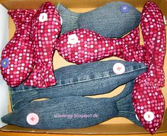 Fische aus Jeans und Bettwäsche / Fish made from jeans and bed linen / Upcycling