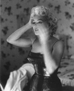 Marilyn is preparing. Unique artistry of photographer Ed Feingersh.