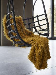 Essenza plaid Yeti mosterdgeel :: Plaids :: Slaapkamer :: De Linnenboom, de specialist in bed-, bad en keukentextiel