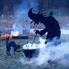 Wicked Witch Silhouette - love this witch silhouette. More outdoor decor: http://www.bhg.com/halloween/outdoor-decorations/halloween-outdoor-makeover/#