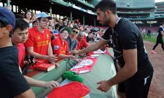 Selfies and autographs at Fenway - Liverpool FC