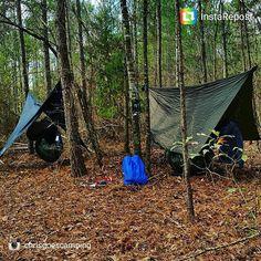 Ya boys @chrisgoescamping and legoat9 set up last night #hammock #hammocklife #nature #camping #earthporn #hangingout #hangers #follow4follow #loungingaround #howwedo #yaboy by @legoat9
