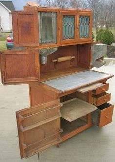 Antique Hoosier Cupboards | 1910 hoosier kitchen cabinet w flour sugar bin this nice oak hoosier ...