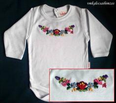 Kézzel hímzett színes kalocsai baba body (5)