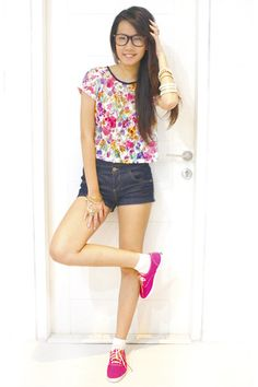 """Pink Keds Shoes, Blue Topshop Shorts, White Topshop Tops 