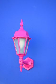 Vertical shot of a pink sconce lamp atta. Pink Images, Colour Images, Saint Tropez, Karl Kraus, Pink Lanterns, Venda On-line, Free High Resolution Photos, Photography Jobs, Photography Courses