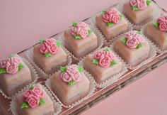 So sweet & pretty!  :)  love these!!!  Petit Fours decorated with fondant roses on http://cakejournal.com/cake-lounge/petit-fours-decorated-with-fondant-roses/
