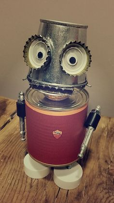 Robo-Tot – Robo-Tot – Get more photo about subject related with by looking at photos gallery… Recycled Art Projects, Recycled Crafts, Projects For Kids, Crafts For Kids, Recycled Garden, Tin Can Robots, Robots For Kids, Recycled Robot, Tin Can Art