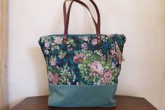 Tote bag zippered, floral upholstery fabric and ribbon de LAMILAcanvas2 en Etsy