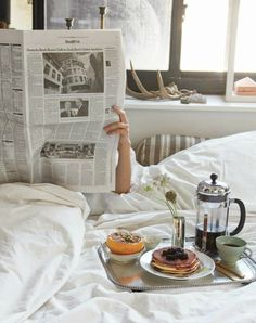 Breakfast In Bed Couple Sunday Morning Coffee Ideas Best Coffee, Coffee Time, Coffee Coffee, Coffee Break, Coffee Menu, Coffee Shop, Coffee In Bed, Coffee Maker, French Coffee