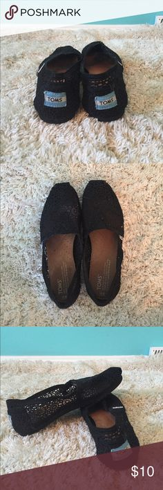 TOMS Black Lace Women's Classics These gently used black laced TOMS are simple, but sooo cute! They are a little worn, but still in ok condition. Selling for a low price! Accepting any offers! Toms Shoes