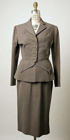 Suit Robert Piguet (French, born Switzerland, Date: ca. 1940s Fashion Women, 1900s Fashion, Retro Fashion, Vintage Fashion, Womens Fashion, 40s Outfits, Retro Outfits, Vintage Outfits, Historical Clothing