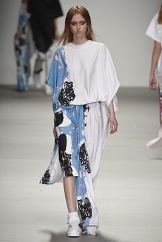 Catriona Mcauley Boyle for Central Saint Martins RTW Fall 2015 [Photo by Giovanni Giannoni]