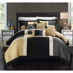 Chic Home Filomena Black 11-Piece Ultra Plush Micro Mink Sherpa Lined Ribbed Texture Comforter Set
