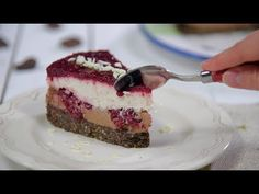 Reteta - Cheesecake cu ciocolata si visine (fara coacere) | Bucataras TV - YouTube No Cook Desserts, Dessert Recipes, Cheesecake Recipes, Cheesecakes, Macarons, Tiramisu, Yummy Food, Sweets, Make It Yourself