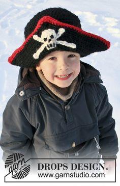 Carnevale DROPS: Cappello da pirata DROPS all'uncinetto, con teschio, in