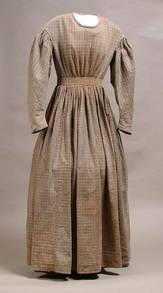 Homespun dress of the Civil War era. Likely the out-of-fashion (by simple, dress Millie (Permilia) would have worn in her poverty before becoming John Gideon's Mail-Order Bride. 1800s Clothing, Antique Clothing, Historical Clothing, Old Dresses, Cotton Dresses, Dresses For Work, Victorian Fashion, Vintage Fashion, Pioneer Clothing