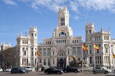 UN SIGLO PARA EL PALACIO DE CIBELES San Francisco Ferry, Notre Dame, Madrid, Building, Travel, Town Hall, Staircases, Palaces, Buildings