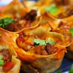 Crunchy Taco Cups Will Get Your Fiesta Started - Shared Gourmet Recipes, Mexican Food Recipes, New Recipes, Cooking Recipes, Healthy Recipes, Ethnic Recipes, Savoury Recipes, Drink Recipes, Yummy Recipes