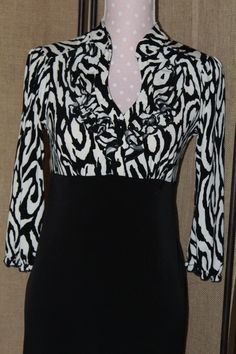 Womens Dress Lucy and Laurel Size 6 Long sleeve print/black knee length #LucyandLaurel