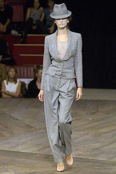 Alexander McQueen Spring 2007 Ready-to-Wear Fashion Show - Ana Mihajlovic