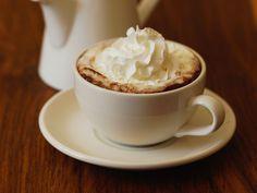 Découvrez la recette du chocolat chaud à la chantilly