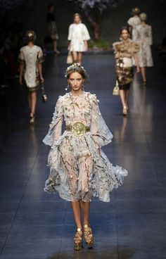 Dolce & Gabbana Spring 2014: Ancient Greece Gets A Rock 'N' Roll Revival During Milan Fashion Week [PHOTOS] - International Design Times