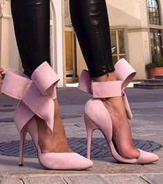 Don't You Just Love a Bowtie Pump PINK