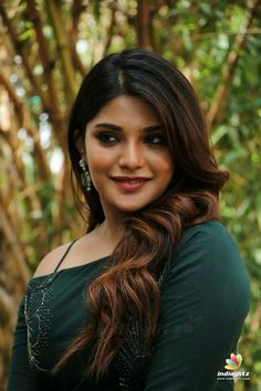Beautiful Bollywood Actress, Beautiful Indian Actress, Beautiful Actresses, Beautiful Girl In India, Beautiful Girl Image, Simply Beautiful, Beautiful Women, Beauty Full Girl, Beauty Women