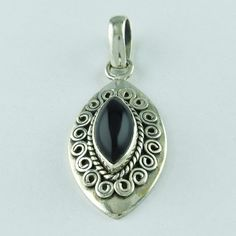 BLACK ONYX STONE AMAZING DESIGN 925 SOLID STERLING SILVER PENDANT #SilvexImagesIndiaPvtLtd #Pendant