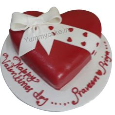 You can find a huge collection of anniversary cakes and cake for anniversary at best price in Delhi NCR from #FaridabadCake. #anniversarycake #valentinesday #onlinecakedelivery