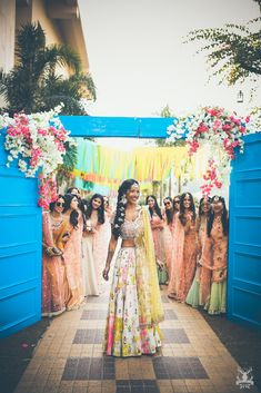 Brunch Wedding Decorations Bridesmaid 65 Ideas For 2019 Wedding Pics, Wedding Blog, Diy Wedding, Wedding Trends, Indian Beach Wedding, Indian Weddings, Wedding Bridesmaids, Wedding Dresses, Mehndi Decor