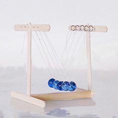 Newtons Cradle Balance Balls DIY Technological Making With Glue Physics Projects, Stem Projects, Diy Craft Projects, School Projects, Projects To Try, Science Crafts, Stem Science, Science Fair, Science For Kids