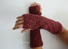 arm warmers crochet pattern by Luz Patterns #crochetpattern #crochet
