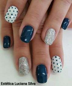 Magic of black color beckons with the beauty of its depth and mystery. Black manicure is not the first season relevant among modern f… in 2020 Nail Art Diy, Diy Nails, Teen Nail Art, Diy Art, Nagellack Design, Polka Dot Nails, Polka Dots, Pretty Nail Art, Cool Nail Designs