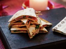 Julequesadilla 1 Quesadilla, Bruschetta, Tapas, Nom Nom, Good Food, Mexican, Healthy Recipes, Bread, Ethnic Recipes