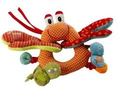 The Oscar is a greedy crab made ​​of very soft and colorful materials. It has many activities for baby to explore: magnetic, sounds and elastic gripper.